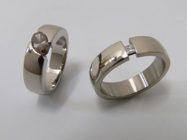 750 white gold matching female and male rings champagne diamond and princess diamond
