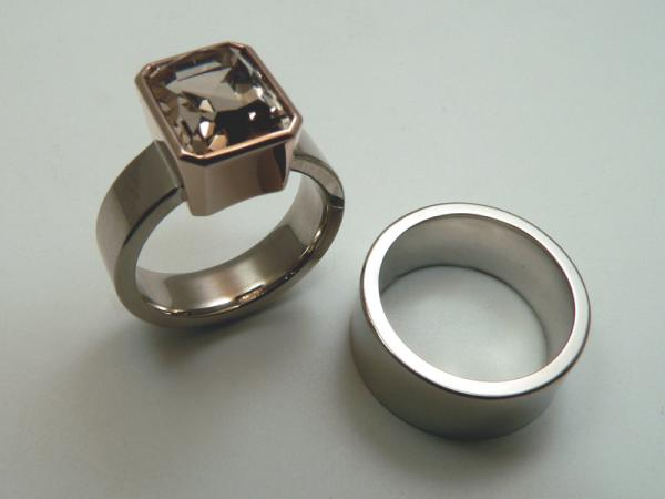 brown topaz - 750 rose setting white gold rings matching engagement and wedding rings